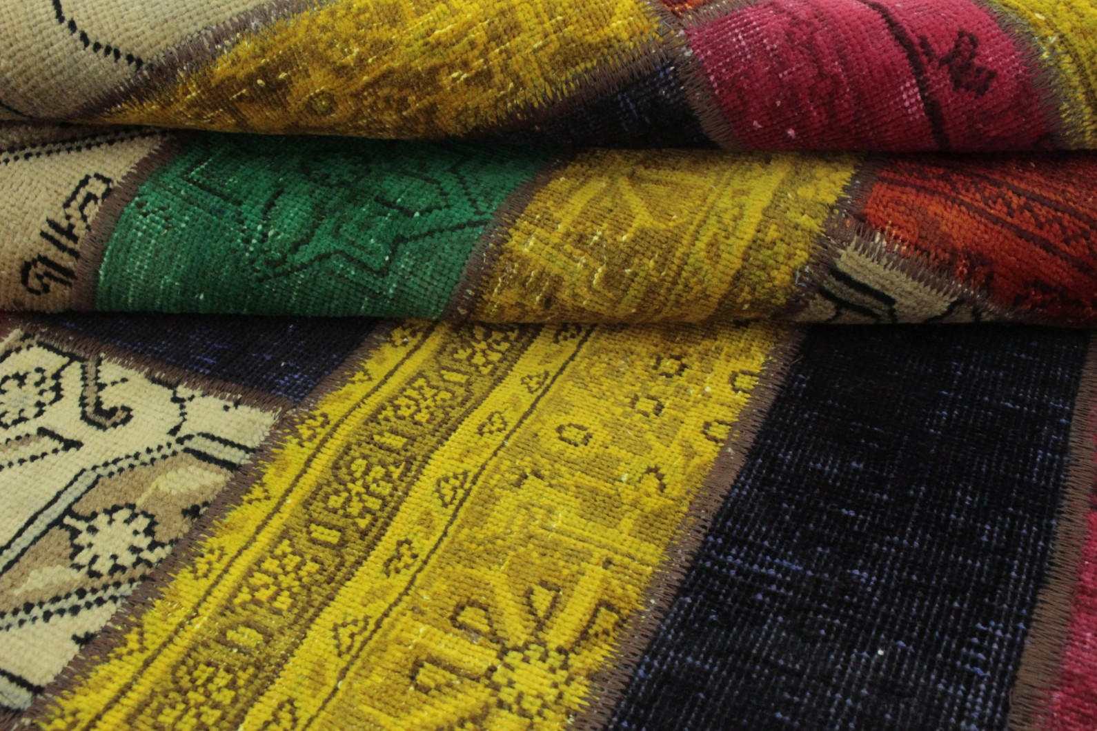 patchwork teppich gelb gr n t rkis orange beige in 200x150 1001 167078 bei kaufen. Black Bedroom Furniture Sets. Home Design Ideas
