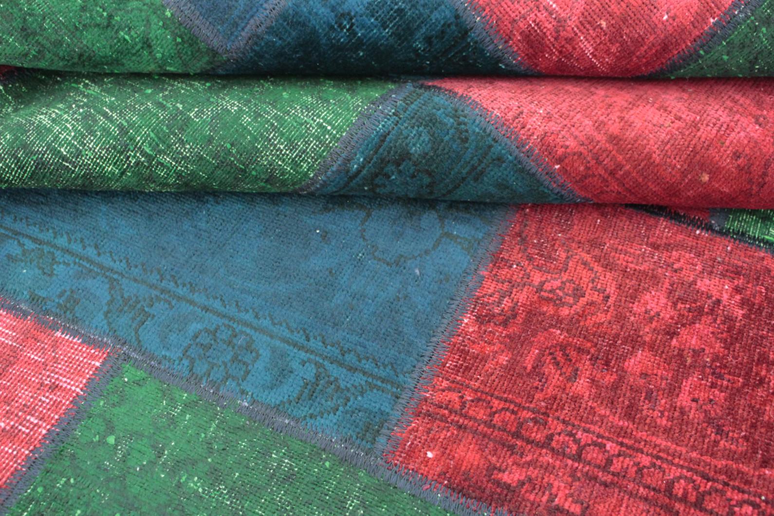 patchwork teppich rot gr n blau in 240x170 1001 167121. Black Bedroom Furniture Sets. Home Design Ideas