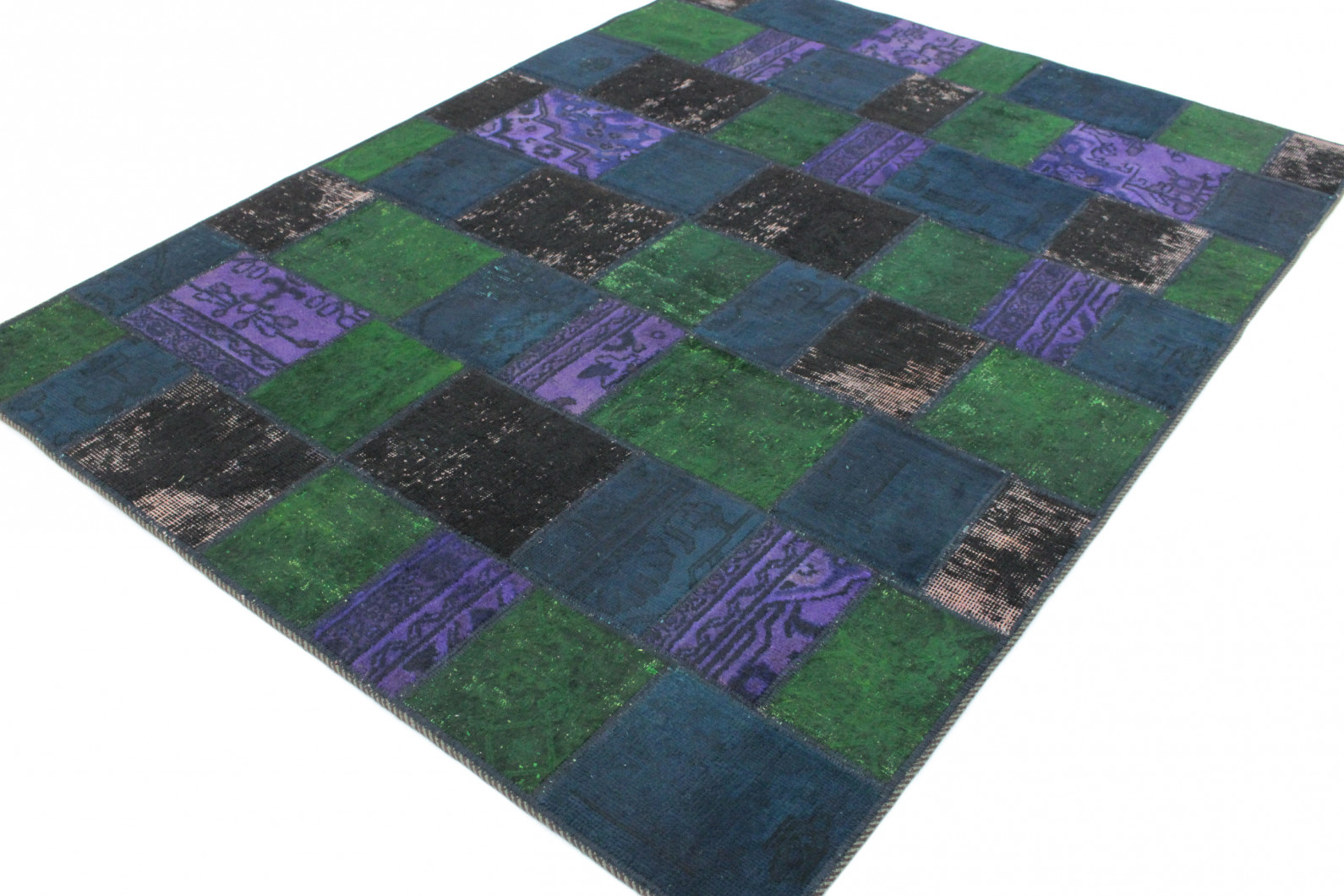 patchwork teppich gr n lila schwarz blau in 210x150 1001. Black Bedroom Furniture Sets. Home Design Ideas