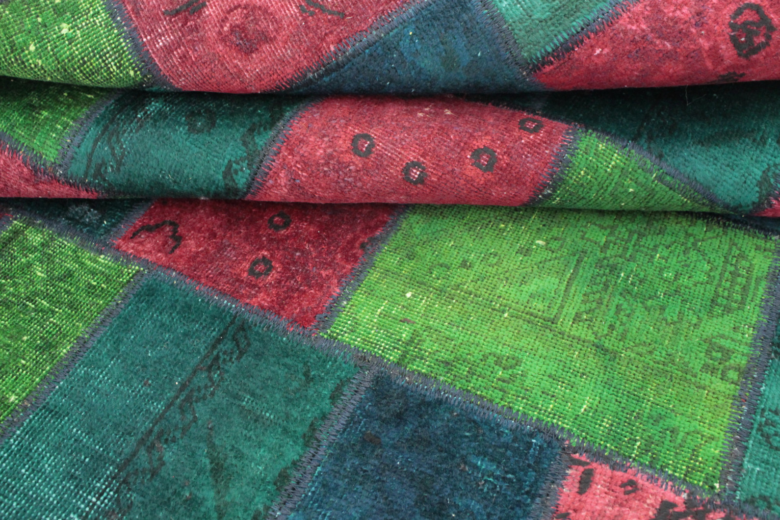 Patchwork Teppich Rot Grun Turkis In 210x150 1001 167134 Bei