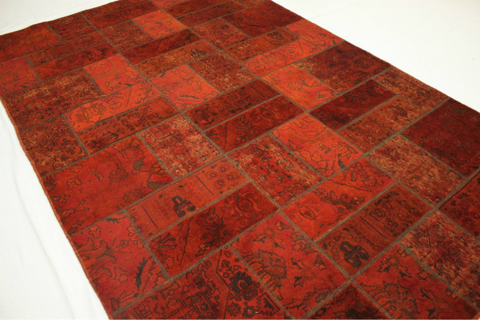 patchwork teppich rot in 310x200cm 1001 1892 bei. Black Bedroom Furniture Sets. Home Design Ideas