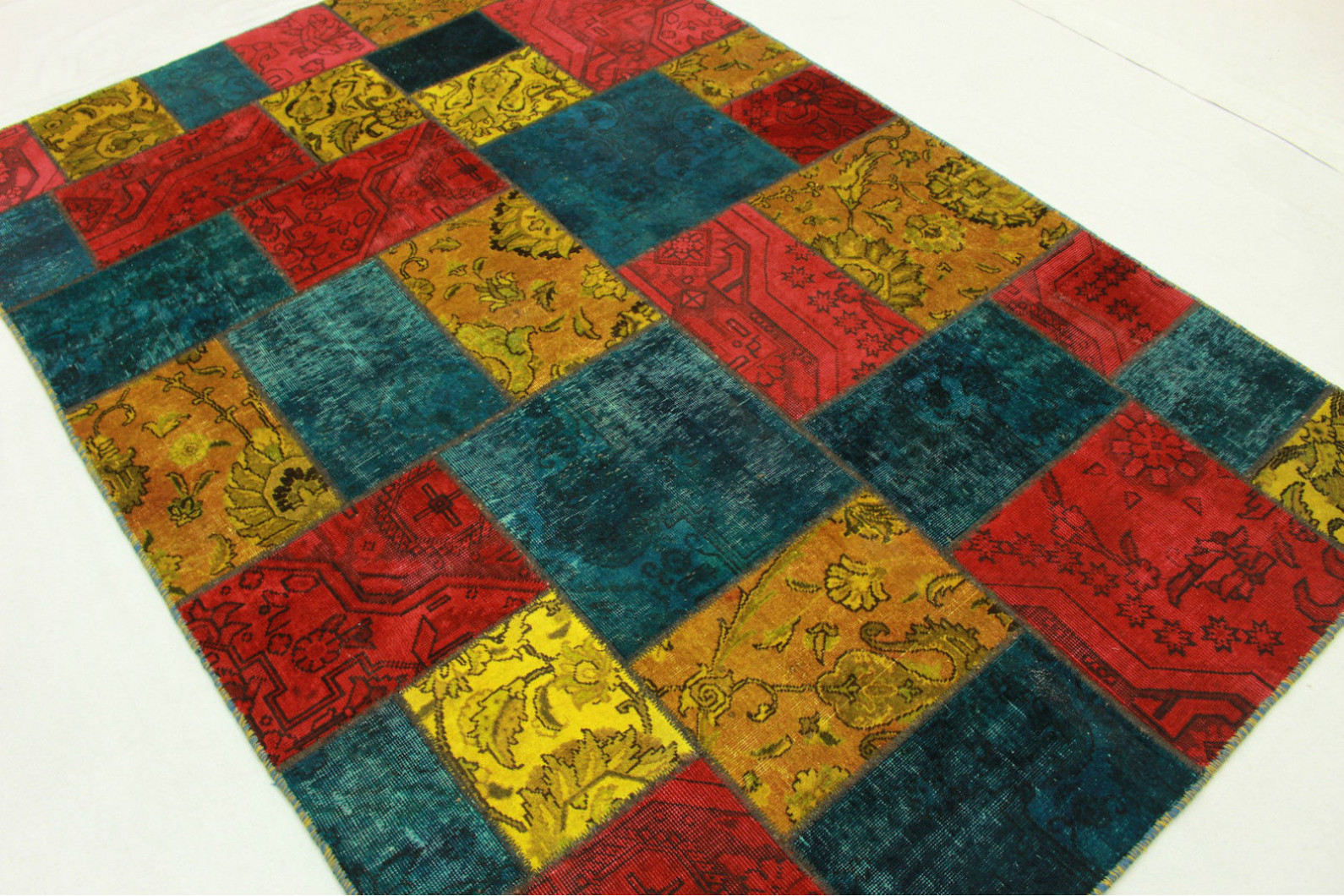 patchwork teppich rot t rkis gelb in 240x170cm 1001 1996 bei kaufen. Black Bedroom Furniture Sets. Home Design Ideas