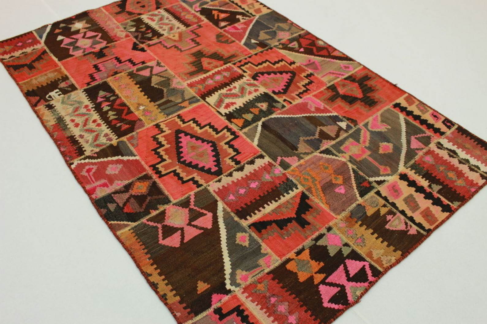 Patchwork kilim rugs rugs ideas for Kilim designs