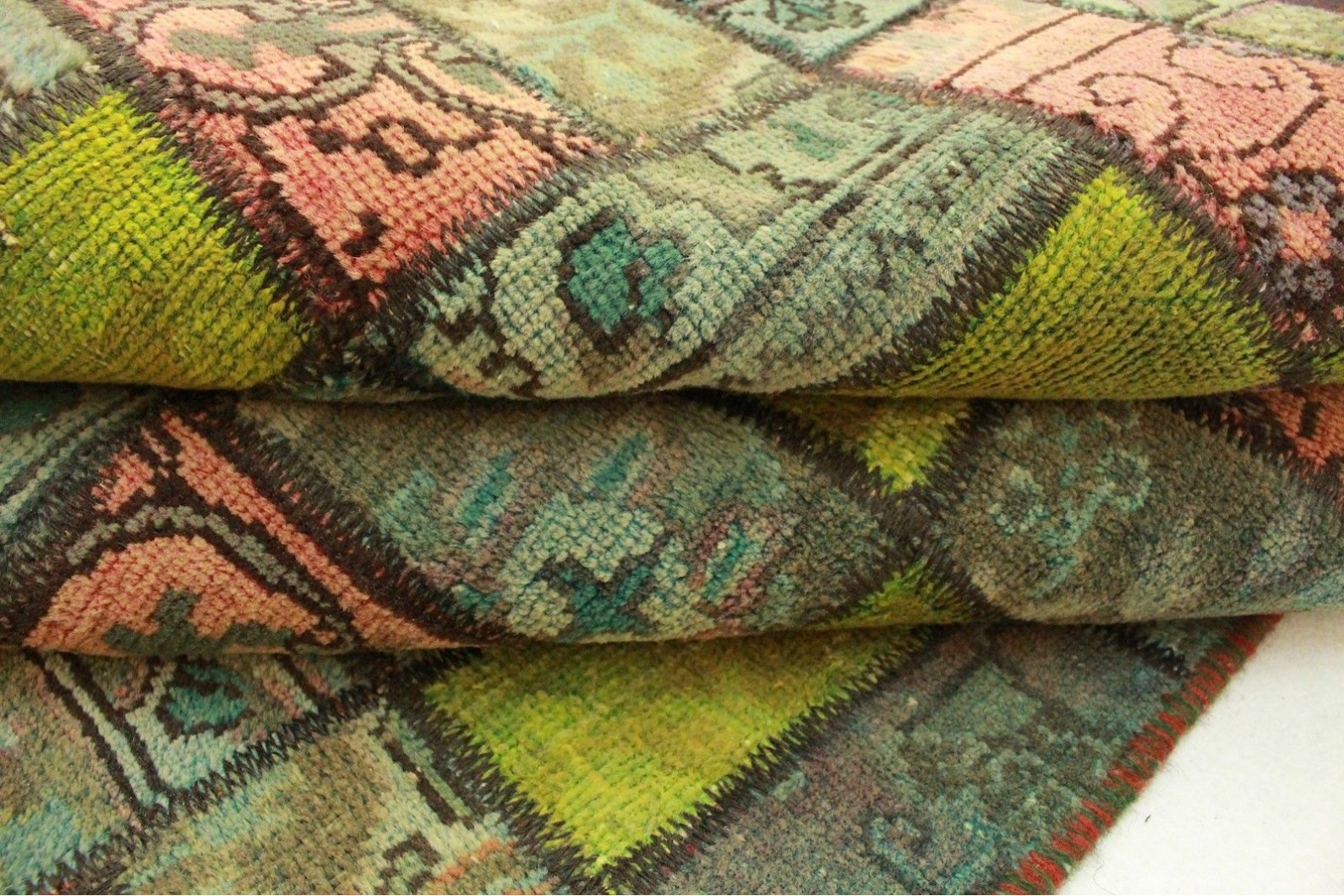 patchwork teppich gr n rosa in 220x140cm 1001 2119 bei kaufen. Black Bedroom Furniture Sets. Home Design Ideas