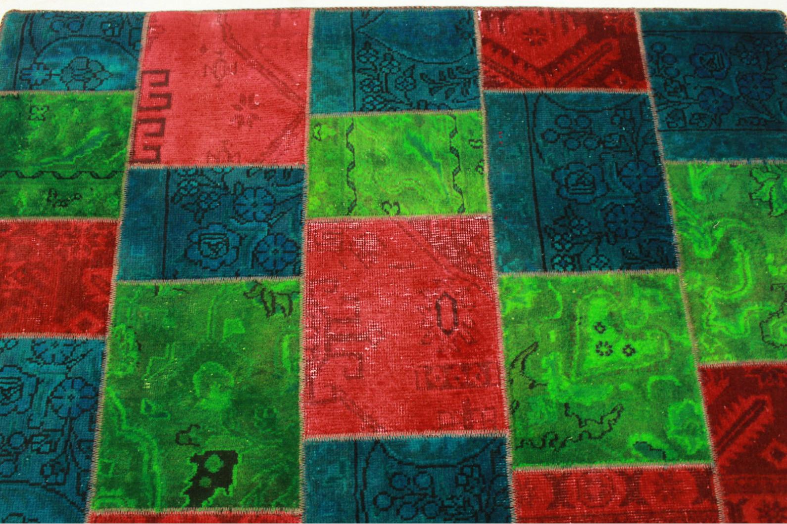 patchwork teppich gr n rot blau in 200x150cm 1001 2531. Black Bedroom Furniture Sets. Home Design Ideas