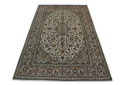 Traditional Rug Kashan in 310x200