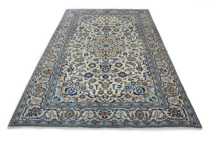 Traditional Rug Kashan in 310x190