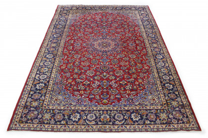 Traditional Vintage Rug Isfahan in 350x250
