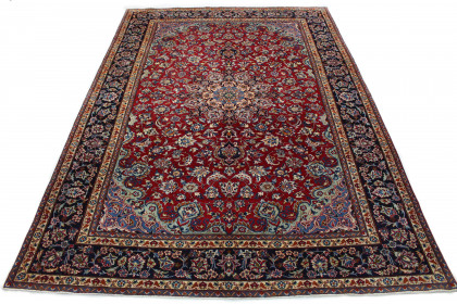 Traditional Vintage Rug Isfahan in 400x280