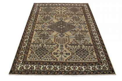 Traditional Rug Mashad in 290x210