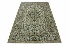 Klassischer Teppich Kashan in 320x200