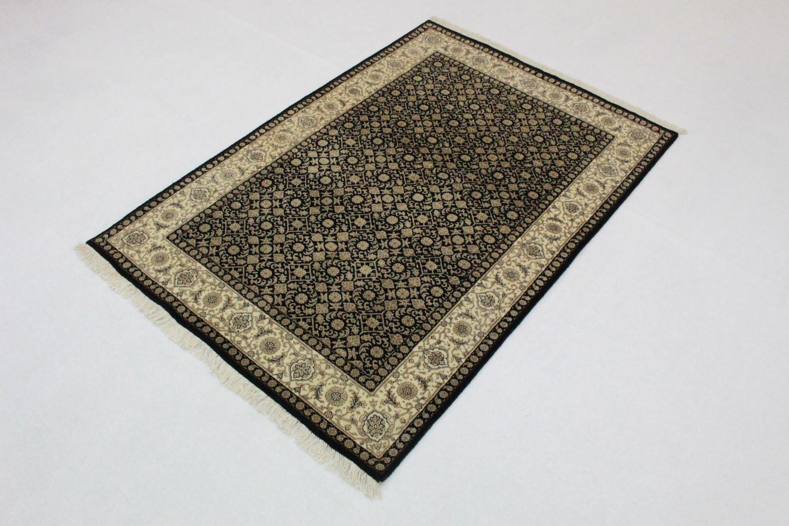 Teppich weiß schwarz einzigartig runder teppich schwarz weiß